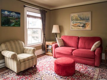 Large One Bedroom at St. John's Apartments on Capitol Hill *Walkscore 99*