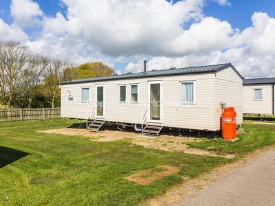 Photo for 8 berth dog friendly caravan for hire at Kessingland park, Suffolk ref 90013