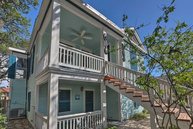 Find the Starfish Cottage on the first floor of this Galveston property!