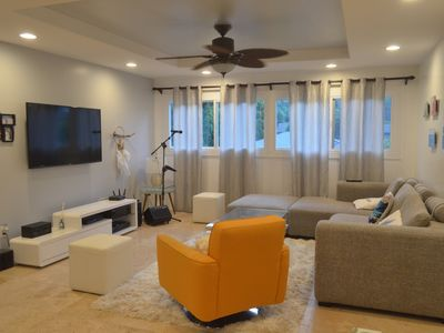 Photo for 15 min from Waikiki/Great location!