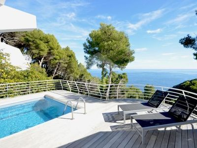 Photo for 3 bedroom Apartment, sleeps 8 with Pool and Air Con