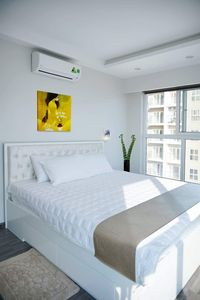 Photo for 3 bedroom apartment with king size beds and sea view in Halong Bay