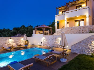 Photo for Rethymno family villa with private pool and secure grounds located in Roupes