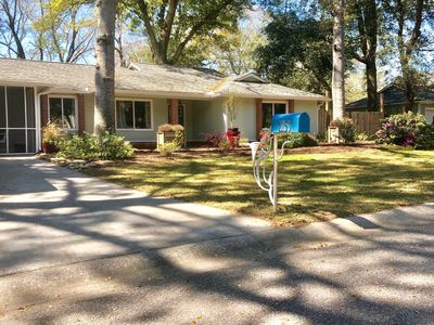 Photo for Private Suite - minutes to downtown Charleston and Folly Beach