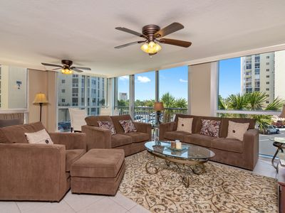Photo for Shoreline Towers 1036 - Spacious with all  the comforts of home. Come enjoy!