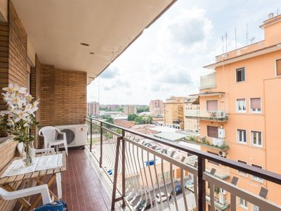 Photo for Apartment Tiburtina Girasole in Roma - 6 persons, 3 bedrooms