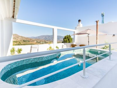 Photo for Magnificent rural house in the Valle de Lecrín with pool, garden and free wifi