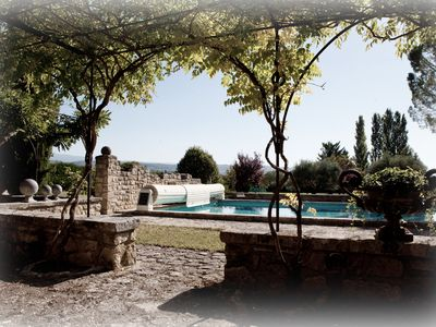 Photo for Quiet bungalow with swimming pool and park, exceptional view on Mt Ventoux