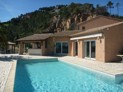 Photo for Magnificent villa on flat ground enjoying a superb sea view and Esterel