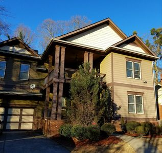 4bed/4bath Family Friendly Retreat, Near attractions!