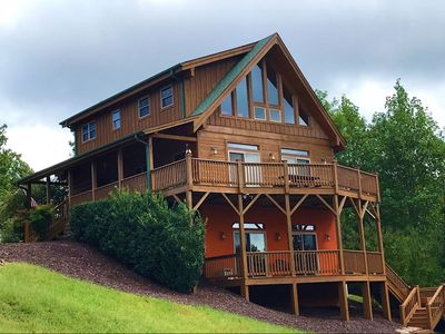 Photo for Family friendly mountain cabin with awesome westerly views in gated community.