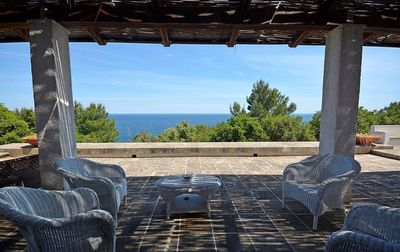 Photo for Wonderful villa with large terrace overlooking the sea and access to the sea