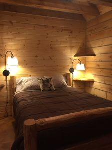 Bonnie's Private City Cabin-Madison's Only Log Cabin Rental