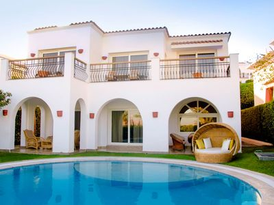 Photo for An Amazing 2 bedrrom villa overlloking the Red Sea wirh its private pool