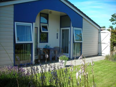 Photo for Detached holiday home with private parking, about 500 m from the beach