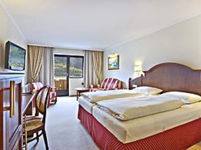 Photo for Juniorsuite with balcony to the place and lake - Hotel Berner