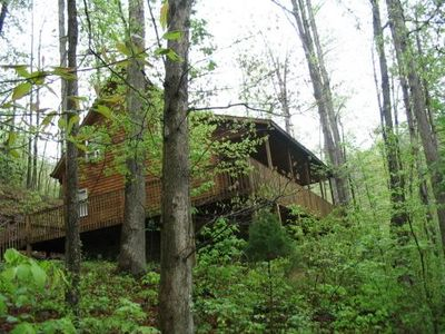 Photo for Stunning 3 bedroom cabin with hot tub in the Red River Gorge