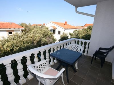 Photo for Two bedroom apartment with terrace Mandre, Pag (A-6405-a)