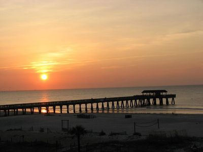 Beautiful Condo on Tybee's North Beach - Gated Community with Pools & Free Wi-Fi