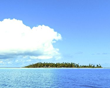 Your Private Island on TIKEHAU atoll, 50 mn by plane from TAHITI