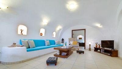 Photo for Iridanos Cave House Santorini Megalochori