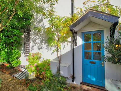 Photo for Righton one-bedroom serviced house in north oxford (oxpsaw)