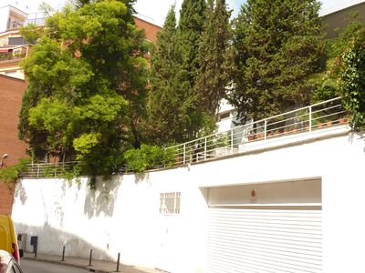 Photo for Casa Vilaro Park Guell charming house pool and 15 minutes Plaza Cataluña
