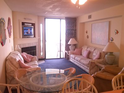 "Photo for Direct Oceanfront 3 BR/2Ba, Convenient to Shopping/Dining. New 43"" TV"