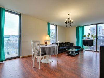 Photo for Beautiful private room with terrace in the City Center - Air Rental