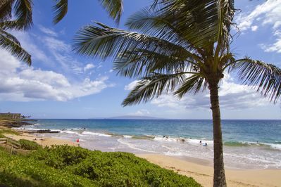 A view of Kamaole Beach from lanai.