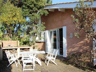 Photo for House with garden close to the Basin d'Arcachon