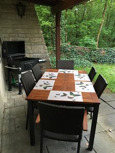 Grilling area Seating 8
