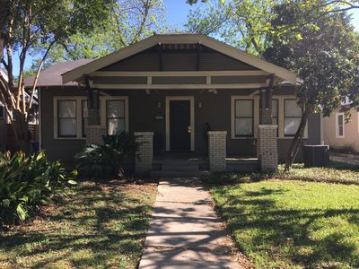 Photo for Adorable Mahncke Park Bungalow