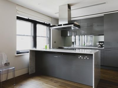 Photo for Wardour Street III - luxury 3 bedrooms serviced apartment - Travel Keys