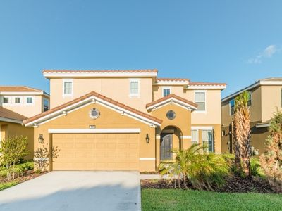 Photo for 6 Bedroom in Solterra Close to Disney