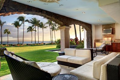 Endless sunsets from this beautiful lanai