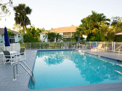 Photo for Vacation in Paradise! Comfortable Naples condo near beaches and downtown.