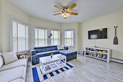 This 1-bedroom, 1-bath vacation rental condo offers a beautiful beachy interior.