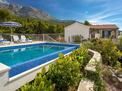 Photo for cttu147/  Villa with private pool above Tucepi, in a quiet hamlet Podstup, for 4 + 1 persons