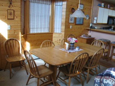 8 person dining area