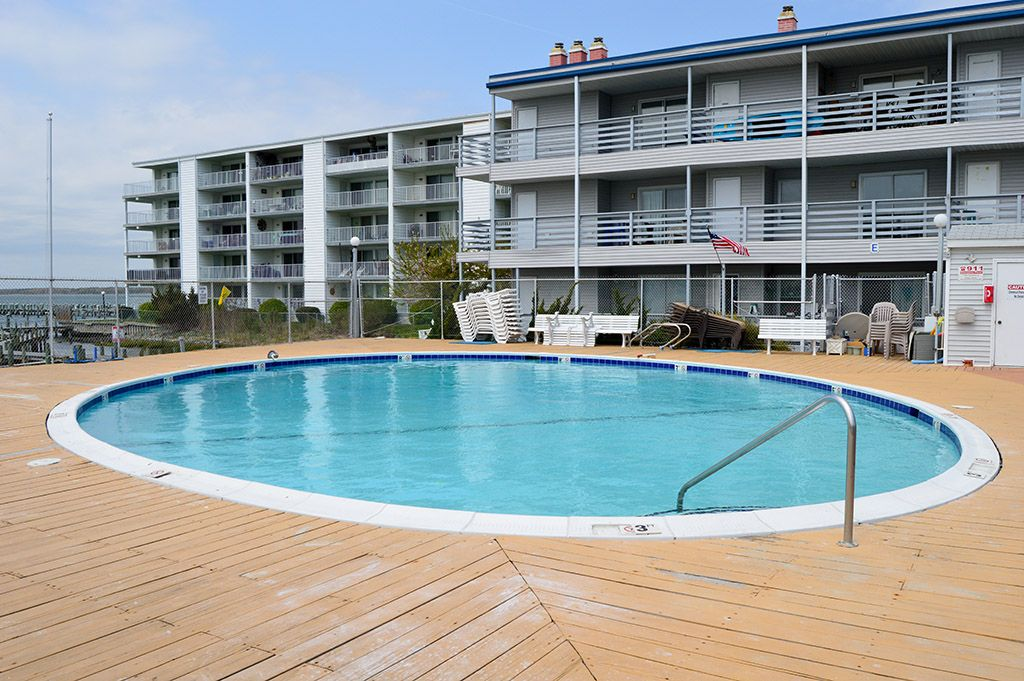 Bayfront Condo w/ Pool - Walk to Convention Center (37th St)