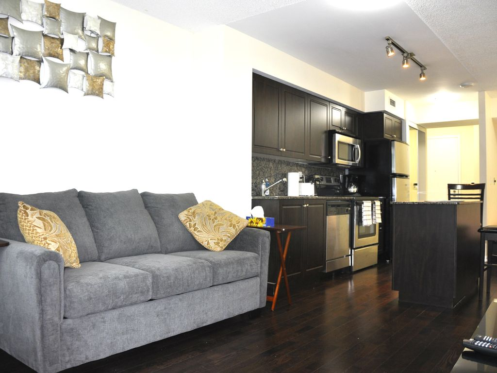 Modern Apartment & Free Private Parking