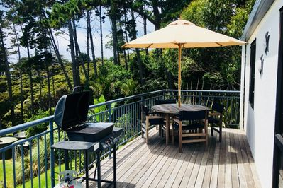 DECK WITH FURNITURE BBQ AND A VIEWS TO PALM BEACH