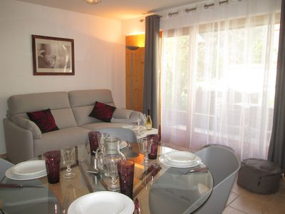 Photo for 4 / 6p apartment with quiet terrace, close to ski resorts