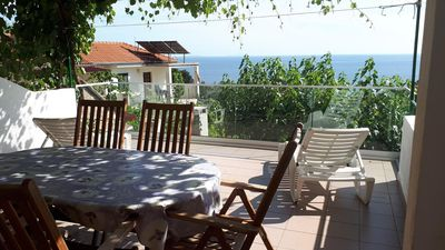 Photo for One bedroom apartment with terrace and sea view Ivan Dolac, Hvar (A-8753-b)