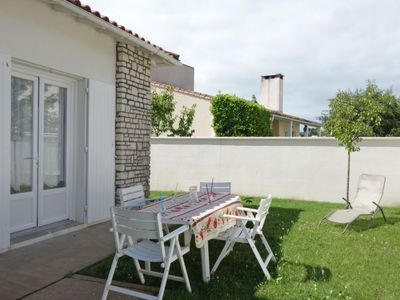 Photo for 3 bedroom Villa, sleeps 6 with WiFi and Walk to Beach & Shops