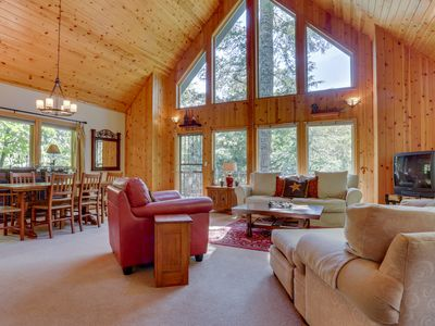 Photo for 3BR Cabin Vacation Rental in Welches, Oregon