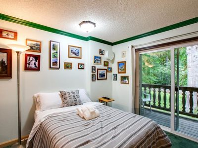 Photo for Apartment 64SLL Condo near Skiing and Hiking in Mount Baker/Glacier - 2 persons, 1 bedrooms