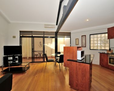 Photo for Central apartment in the heart of Fremantle