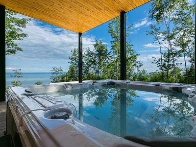 Photo for Spacious chalet with sea view